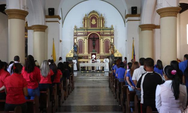 Maestros celebraron su día con misa en la Catedral de Maracay