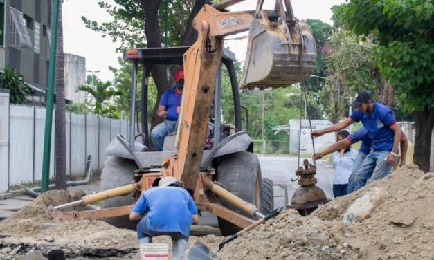 Gobierno Bolivariano fortalece distribución de agua potable a habitantes de la UD 16 de Caña de Azúcar