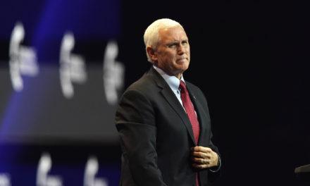 Justicia desestima dar poder a Pence para revertir resultados electorales en EEUU