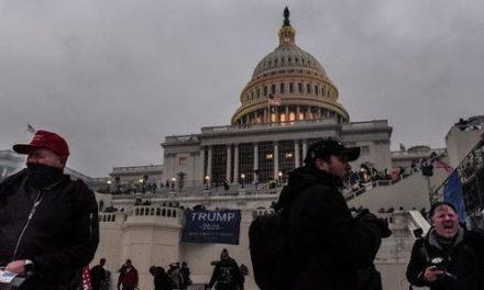 Policía encontró artefactos explosivos en la toma del Capitolio en Washington, EE.UU.
