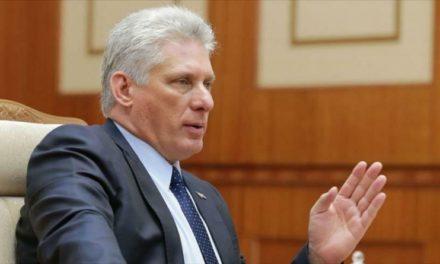 Presidente de Cuba rechaza política hostil de EE.UU. y denuncia ser víctima del terrorismo