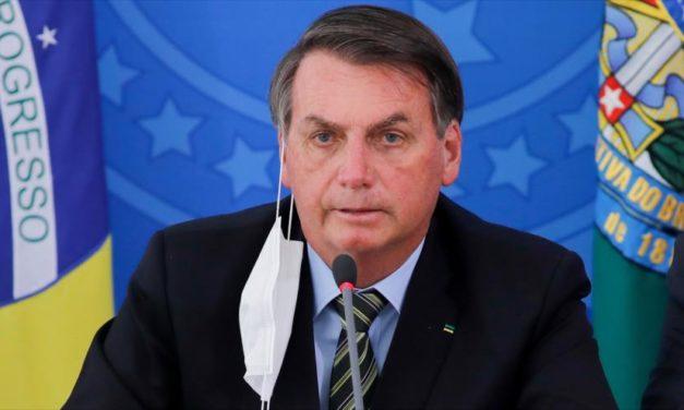 Solicitan investigar a Bolsonaro por crímenes contra la humanidad
