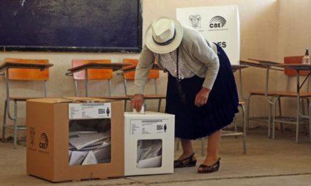 Acusan a la Fiscal General de Ecuador de intromisión en elecciones presidenciales