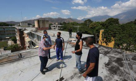 Máxima autoridad regional supervisó operatividad de pozo reactivado en Caña de Azúcar