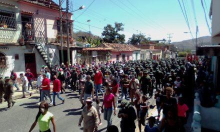 Revenga ratificó la Unión Cívico – Militar entre pueblo y FANB durante paso de la Ruta Bicentenaria