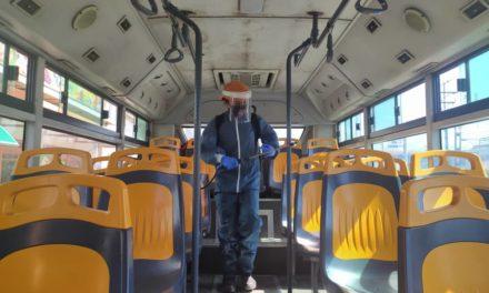 Ejecutan plan de desinfección de paradas y unidades de transporte público en FLA