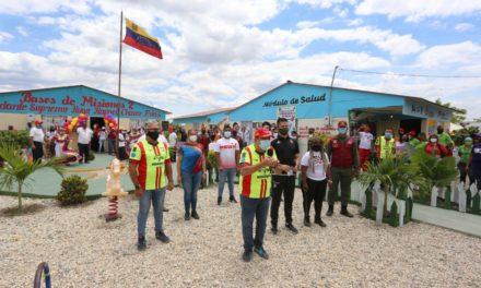 Gobierno Bolivariano asistió a familias de Fundocoropo con Jornada de Atención Integral
