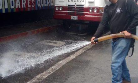 Gobierno Bolivariano realizó jornada de desinfección a unidades de transporte de los municipios Mariño y Bolívar