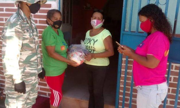 Más de 3 mil bolsas de alimentos se han distribuido a los pobladores de San Mateo a través de los CLAP