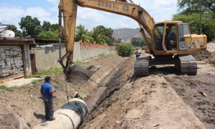 Alcaldía de Mariño realizó optimización al sistema de drenaje de aguas pluviales en parque El Samán