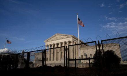 Corte Suprema de EEUU desestima caso sobre Trump y Twitter por considerarlo irrelevante