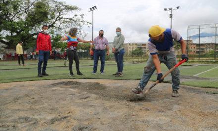 Gobierno Bolivariano de Aragua dio inicio a labores de rehabilitación del complejo deportivo de la UD 15 de Caña de Azúcar