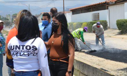 Gobierno Revolucionario continúa con rehabilitación de espacios para el buen vivir en el eje 5 de Mariño
