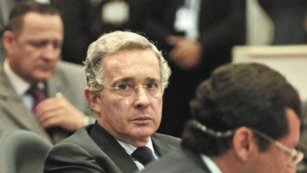Suspendieron audiencia de preclusión de Álvaro Uribe