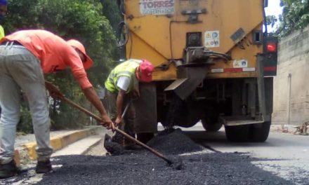 Más de 190 toneladas de asfalto han sido colocadas en el sector El Valle de Linares Alcántara
