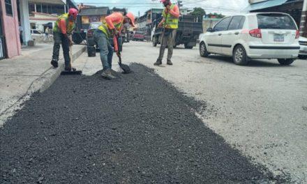 Plan de Bacheo en tu Comunidad ha colocado 902 toneladas de asfalto en 17 días en el estado Aragua