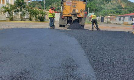 A través del Plan de Bacheo en tu Comunidad han sido colocadas más de 2 mil 500 toneladas de asfalto