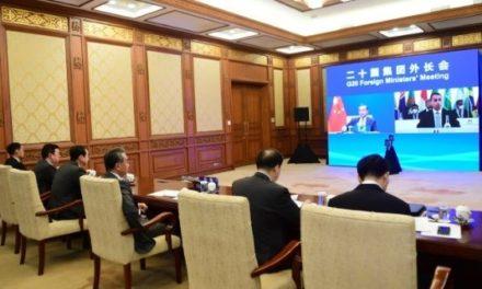 China pide evitar acaparamiento de vacunas anticovid
