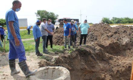 Gobierno Bolivariano de Libertador inició la reparación de colector marginal en la avenida Los Aviadores