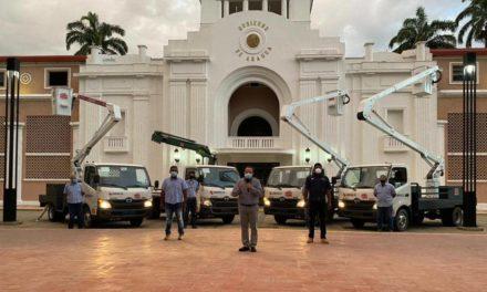 Gobierno Bolivariano entregó cuatro nuevos vehículos para potenciar Corpoelec