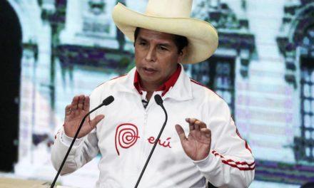 Con el 99.99 % de actas procesadas Pedro Castillo lidera elecciones en Perú