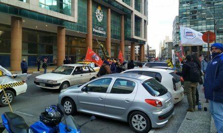 """Trabajadores se movilizaron en Uruguay """"contra el hambre y la desigualdad"""""""