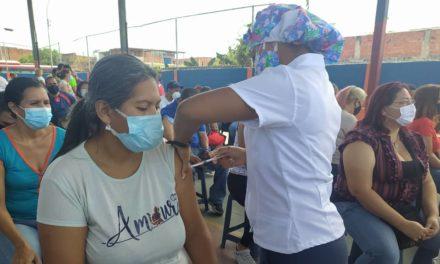 Continúa Plan Masivo de Vacunación contra la Covid-19 en Linares Alcántara