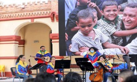 Fundación Hugo Chávez conmemoró natalicio del Comandante Eterno
