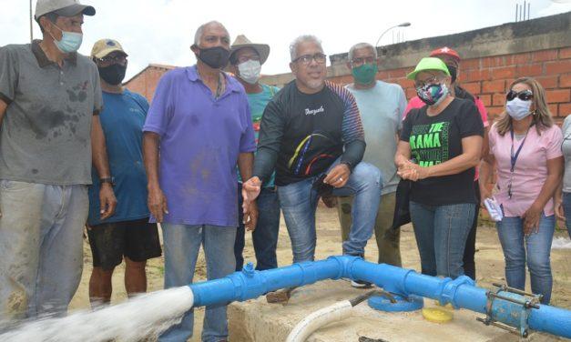 Gobierno Bolivariano activó pozo en el sector Residencias Santa Rita
