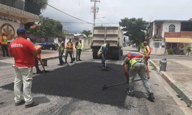 Gobierno regional y local avanzan con plan de asfaltado en las comunidades