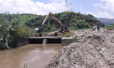 Gobierno de Aragua ha abordado 44 kilómetros de afluentes mediante Plan de Limpieza y Desazolve de Ríos, Diques y Quebradas