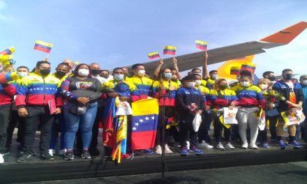 Jefe de Estado da la bienvenida a atletas venezolanos que llegan triunfantes luego de cumplir la mejor actuación olímpica en la historia deportiva del país