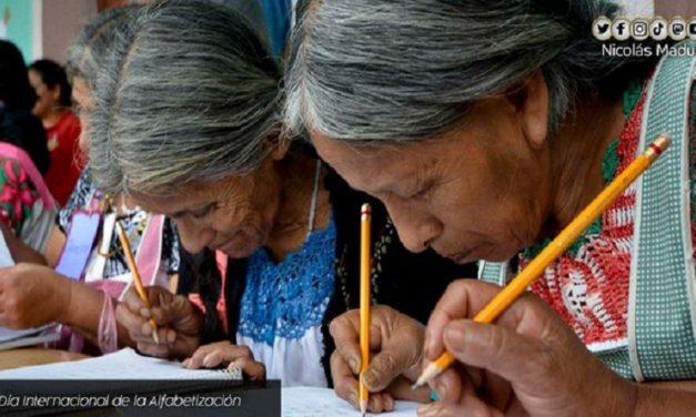 Venezuela celebra el Día Internacional de la Alfabetización siendo una Patria libre de las sombras del analfabetismo