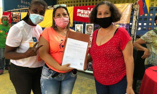 Más de 100 registros y actas de organizaciones socioproductivas fueron entregados en Girardot